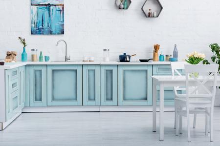 Les colorations faciles pour relooker son mobilier de cuisine