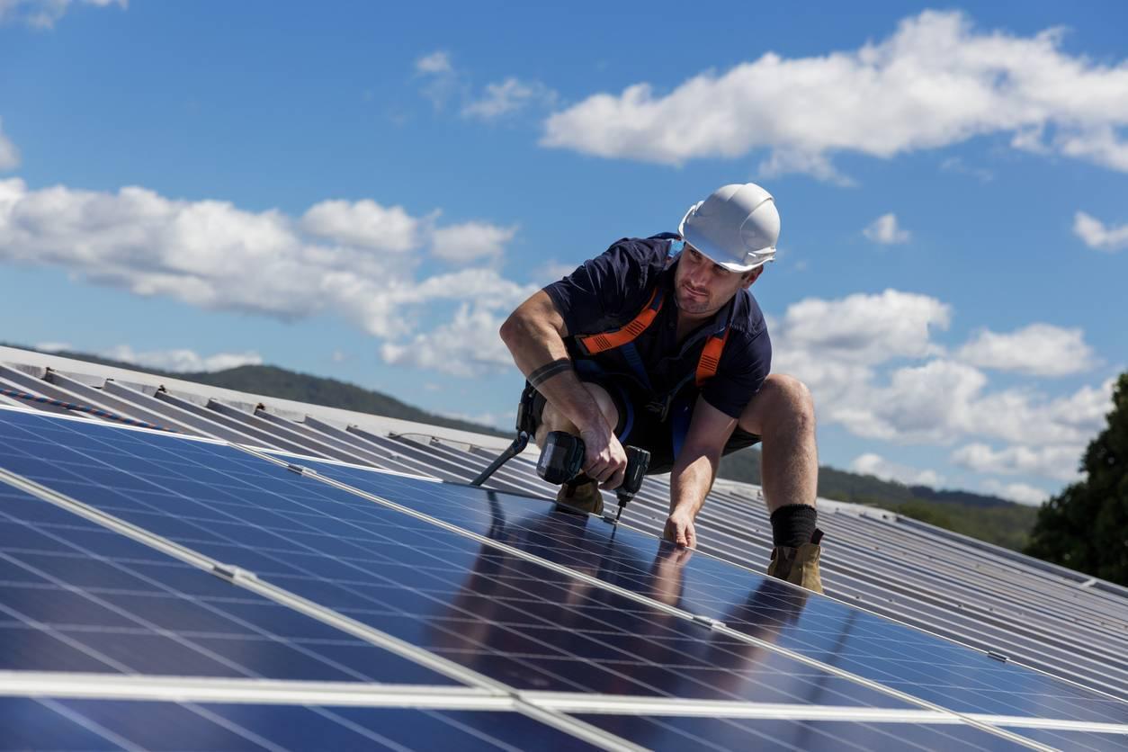 installation panneau photovoltaïque solaire