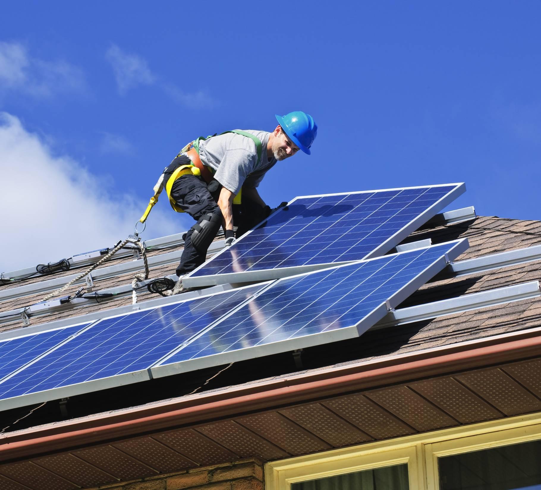 Pose panneaux solaires photovoltaïques