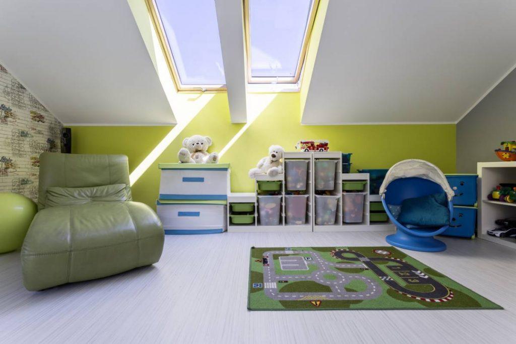 Chambres sous combles : 3 solutions pratiques avec les stores
