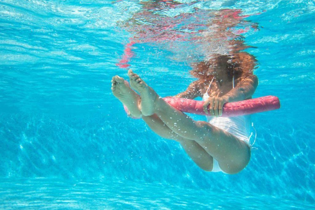 Comment optimiser le traitement de l'eau de la piscine ?