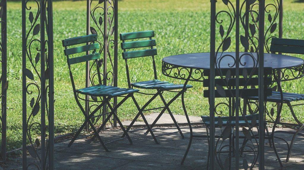 Choisir son salon de jardin en résine